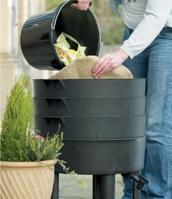 Recycle Waste Into Plant Feed Using A Wormery