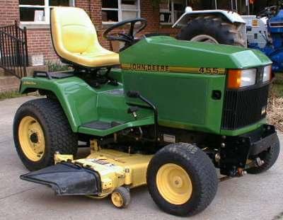 John Deere 455 Tractor