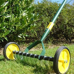 How to Use a Lawn Scarifier