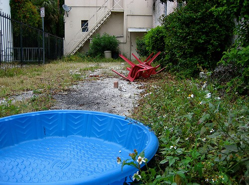 Hard Plastic Kiddie Pool