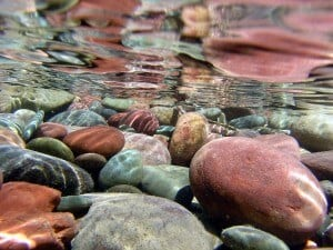Ideas for river rock landscaping for Smooth river rocks for landscaping