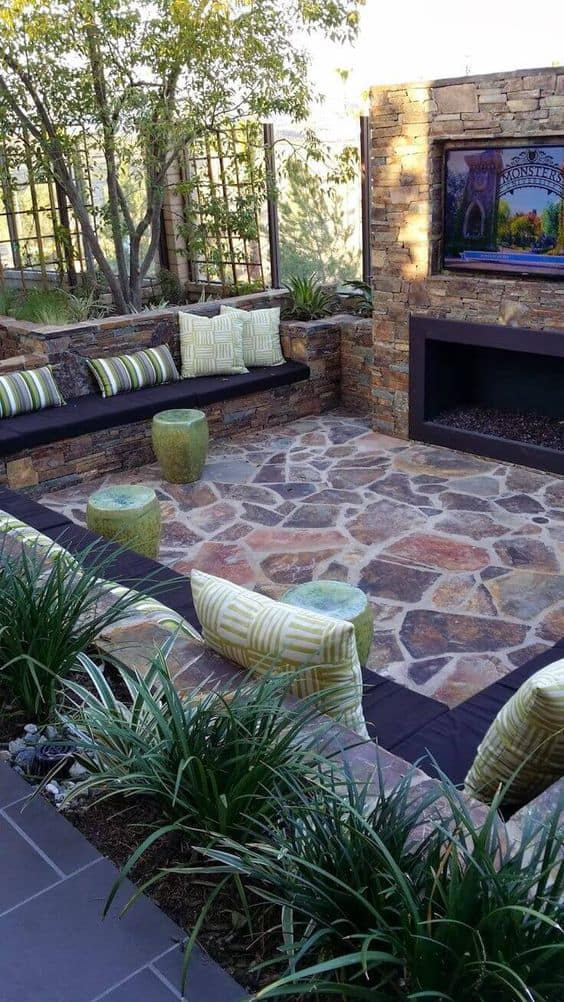 25 fabulous small area backyard designs page 2 of 25 for Small outdoor patio areas