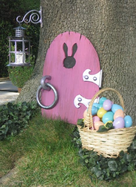 Check out these great backyard ideas full of easter day decorations.