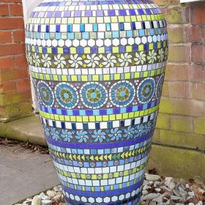 20 Beautiful Ideas With Garden Mosaics