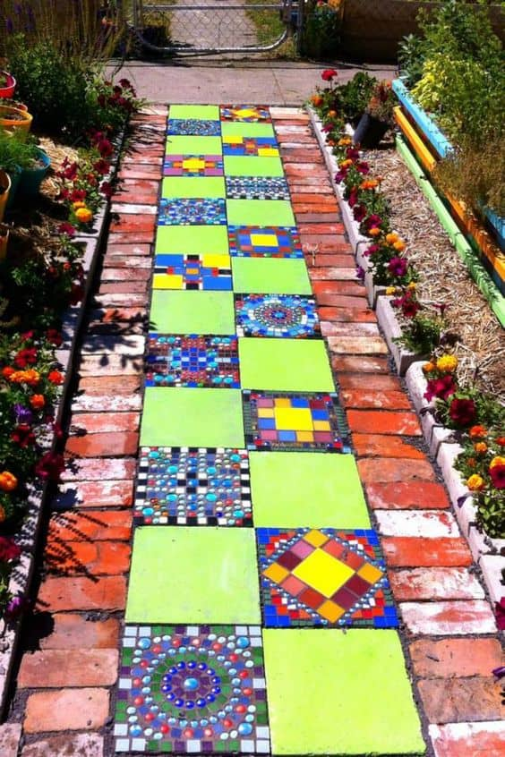 20 beautiful ideas with garden mosaics page 4 of 20 yard surfer check out these beutiful ideas with garden mosaics workwithnaturefo