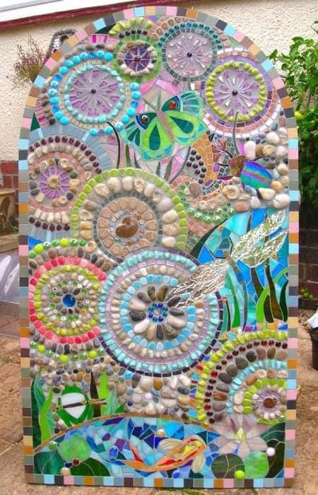 20 Beautiful Ideas With Garden Mosaics Yard Surfer