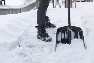 best snow shovel featured