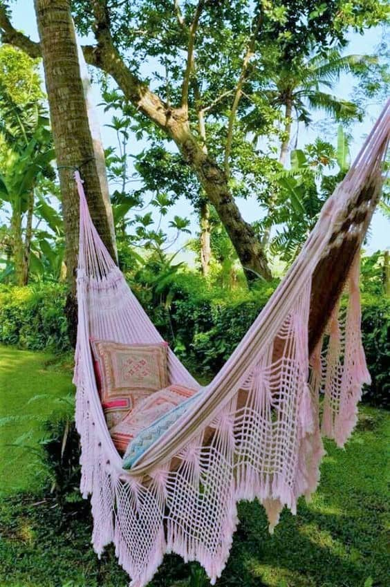 swinging hammock - Backyard Oasis