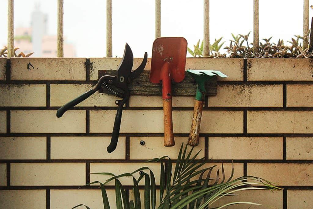 How to Sharpen Garden Tools – Best Sharpeners