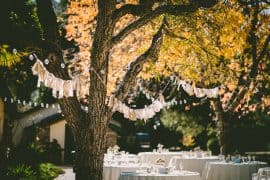 Fascinating Ways to Decorate Your First Outdoor Party