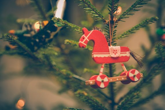 10 Festive Wooden Christmas Yard Decorations