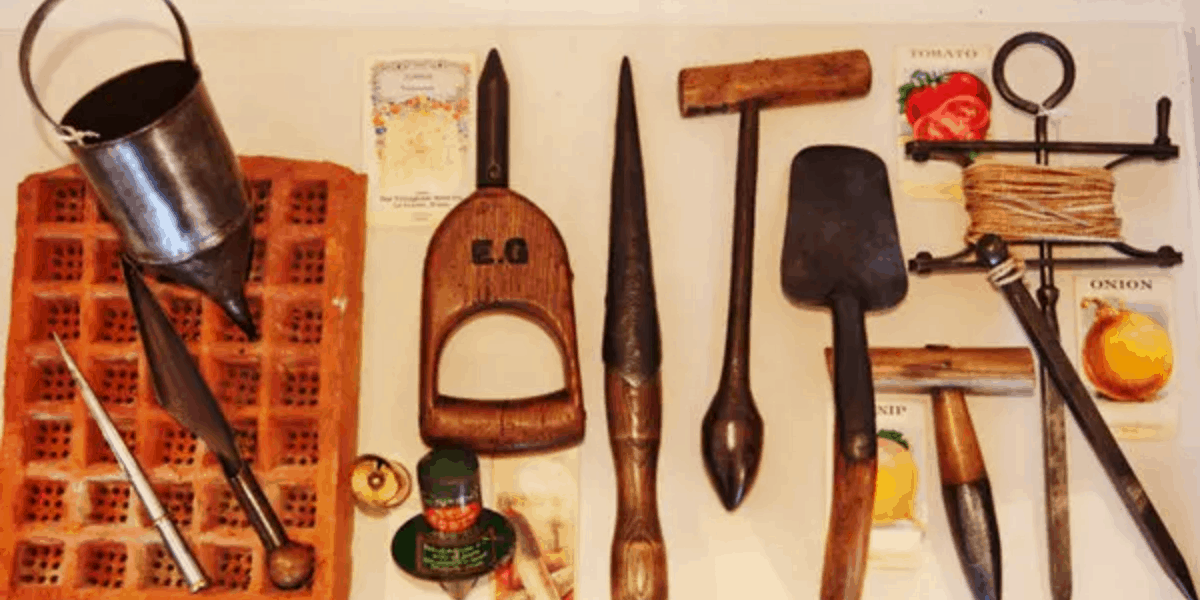 The Collector's Guide to Antique Garden Tools