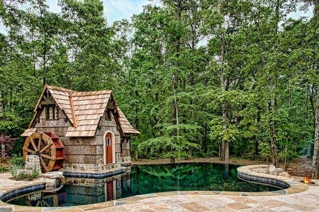 The Windmill Poolside Cabin