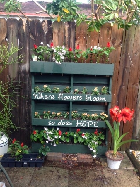 DIY Vertical Flower Pallet Garden